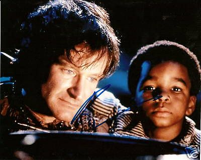 robin-williams-autographed-hook-peter-pan-8x10-photo3_37f82d397da7888648d90b5eff05da37