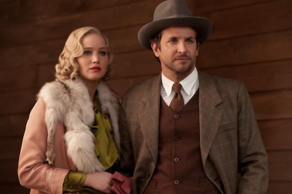 bradley-cooper-and-jennifer-lawrence-in-serena_600x400