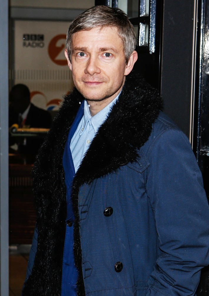 martin-freeman-at-bbc-radio-2-studios-02