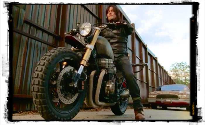 peri-2-daryl-dixon-motorcycle-2-the-walking-dead-spend