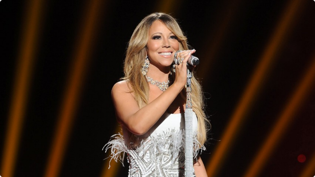 051713-celebs-out-mariah-carey