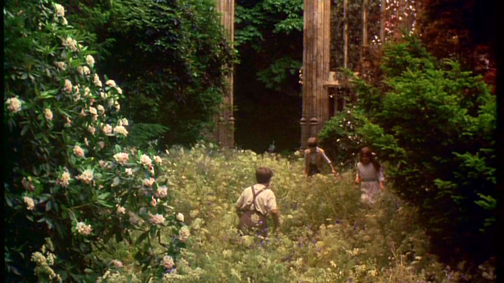 Boomstick comics blog archive 39 the secret garden 39 is getting the remake treatment boomstick for Where was the secret garden filmed