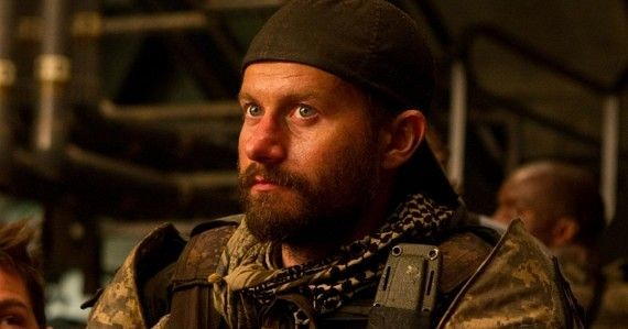 James-Badge-Dale-World-War-Z-Soldier-570x299