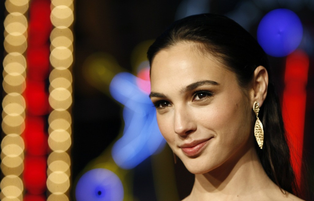 2013-10-Gal-Gadot-Beautiful1