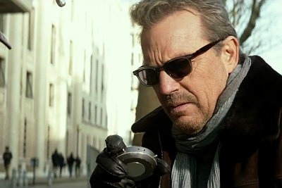 kevin-costner-is-in-killer-mode-in-3-days-to-kill
