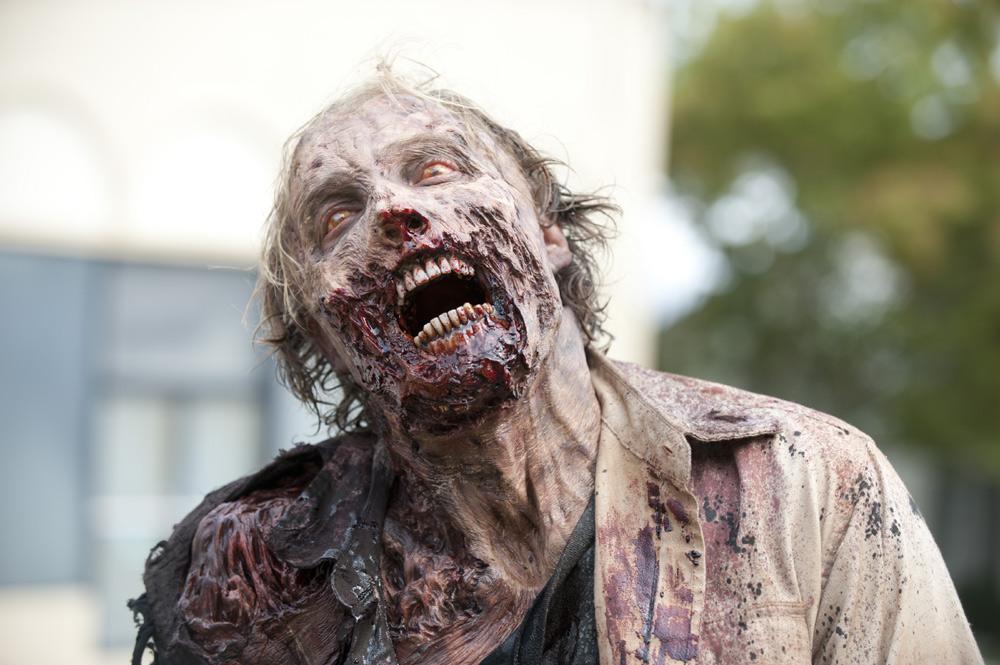 Walking-Dead-35-Zombie-02