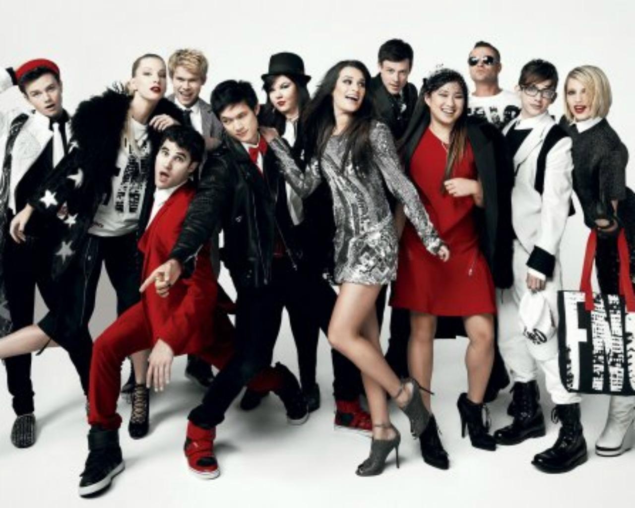 Glee-cast-glee-26569403-1280-1024