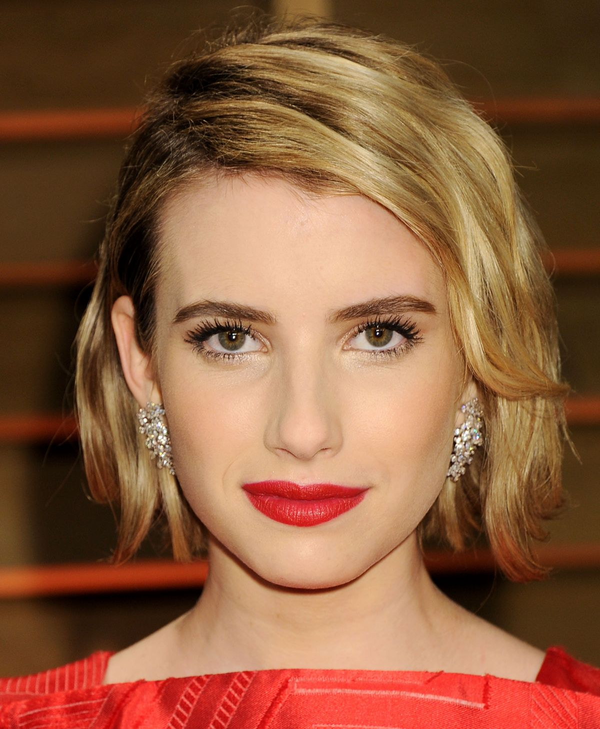 emma-roberts-at-vanity-fair-2014-oscar-party-_1